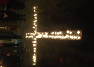 op het kruis