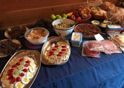 Na de viering was er een gezellig samenzijn met heerlijke maaltijd
